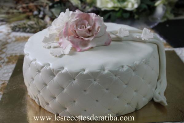 Gateau En Pate A Sucre Wedding Cake Gateau D Anniversaire